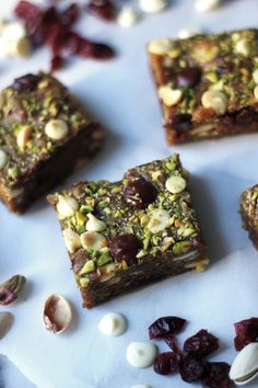 ... pistachios, 1/2 C white chocolate chips, 1/2 C dark chocolate chips {8