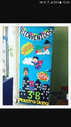 Puerta decorada de superheroes para el d a del ni o for Decoracion de puertas de colegio