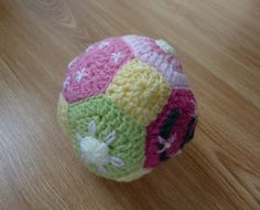 Patchwork Baby Ball: free pattern