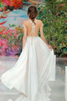 Galia Lahav Kollektion 2017 BARCELONA BRIDAL FASHION WEEK http://www.hochzeitswahn.de/inspirationsideen/cristina-tamborero-kollektion-2017/ #bride #weddingdress #fashion