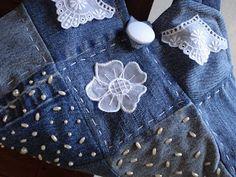 """Modelo """"quadradinhos"""", cheia de romantismo, com aplicações em bordado inglês e organdi, botão forrado com voil e bordado com miçanguinhas p..."""