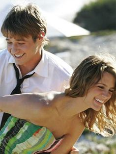 Ryan & Marissa ( from The O.C)  Cutest dang tv couple!