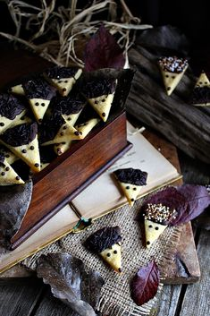 Creative Cakes, Cake Recipes, Food And Drink, Candy, Cheese, Cookies, Meat, Chocolate, Crack Crackers