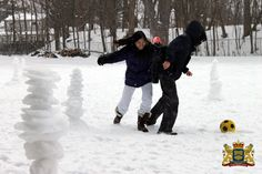 Soccer in the snow - with obstacles!