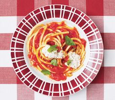 These modern Italian dinners feature all of your favorite pasta shapes—think linguine, bucatini, cavatelli, and more—in new, unexpected recipes.