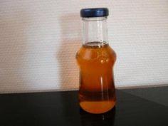 Das perfekte Amarettosirup ein schönes Mitbringsel oder Geschenk-Rezept mit Bild und einfacher Schritt-für-Schritt-Anleitung: Zucker in einem Topf…