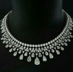 Diamond Necklace Set, Diamond Jewelry, Graff Jewelry, Jewlery, High Jewelry, Luxury Jewelry, Necklace Designs, Wedding Jewelry, Ideias Fashion