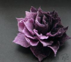 Neue Aubergine Lavendel Ombre Filz Brosche von Brigite auf Etsy, $22.00