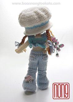 Sarah de ganchillo muñeca patrón diseño de nong por baannongtookata