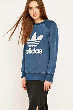 adidas Originals - Sweat éponge bleu jean col ras du cou - Urban Outfitters