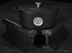 Dutch startup Combekk Homeware is breathing new life into old railroad tracks by transforming them into eco-friendly cast-iron cookware.