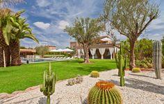 Emeline est heureuse de vous proposer une nouvelle villa d'exception à louer en excluisvité à #Marrakech : Villa The Only One Marrakech : 800m² habitable en première ligne du golf Samanah , 5 suites , piscine chauffée et spa privé : du grand #luxe !!