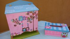 Pañalera buhos y cajita toallas humedas Toy Chest, Storage Chest, Country, Toys, Home Decor, Wet Wipe, Painted Wood, Acrylic Paintings, Recycled Materials