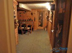 Ebenso im Keller aufzufinden ist eine liebevoll eingerichtete Kellerbar, die beim Kauf übernommen werden kann.