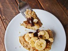 Banana Macadamia Nut Pancakes (vegan, gluten-free) #Pancakes #Banana #Macadamia #Gluten_Free #Vegan - this site has so many amazing GF recipes