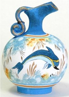 Greek Vase based on historical archives of pattern and scene designs from Ancient Minoan times (early Greek, ca. Ancient Greek Art, Egyptian Art, Ancient Greece, Creta, Santorini, Bronze Age Civilization, Minoan Art, Greek Pottery, Pottery Art