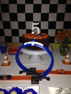Hot wheels party. Gustavo 5!