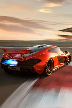 #supercar #car #exotic #luxury #supercars #carswithoutlimits #twinturbo #exoticcars #instacar #carlifestyle #fast #hypercars #sportscar #speed #racing #carporn #hypercar #mclaren #mclarenp4