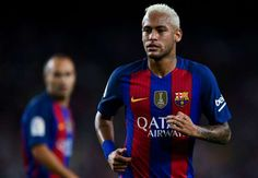 Neymar will sign a new Barcelona contract to keep him at the club until June 2021 on Friday.