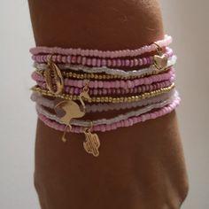 Bodice Pattern, Seed Bead Bracelets, Homemade Jewelry, Diy Accessories, Bracelet Designs, Bangles, Bling, Jewels, Beads