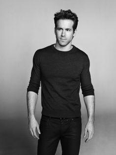 #RyanReynolds #Canada #Guapo #sexy #actor #modelo #hermoso #hot #musculos #beautiful #body #shirtless #sincamisa #gay #queersite #latinqueersite #latingay