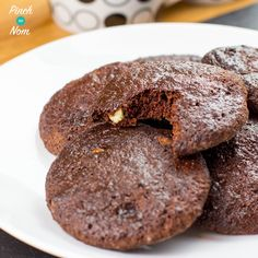 2 Syn Double Choc Chip Cookies | Slimming World - Pinch Of Nom