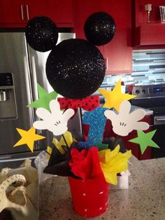 Mickey Mouse Clubhouse Center Piece chage stars to snow flake Theme Mickey, Fiesta Mickey Mouse, Mickey Mouse Clubhouse Birthday Party, Mickey Mouse 1st Birthday, Mickey Mouse Parties, Mickey Party, Pirate Party, 2 Birthday, Birthday Ideas