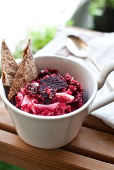 Scandi Home: Lunch in the sun - Ponzu dressed beets with quinoa