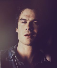 Ian Somerhalder - Damon - The vampire diaries gif