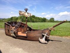 Children's party furniture to hire in London Decoration Pirate, Pirate Party Decorations, Backyard Playground, Backyard Games, Cardboard Pirate Ship, Sailing Theme, Bateau Pirate, Pirate Halloween, Halloween Stuff