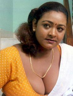 HOT SOUTH INDIAN ACTRESS: SHAKEELA MALLU BLOUSE PHOTOS