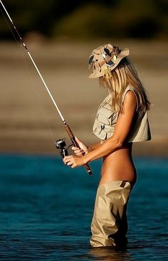 Fishing Girls: The Sexiest on the Net? Our Fishing Chicks Get Better And Better Fishing Girls, Gone Fishing, Best Fishing, Fishing Hole, Fishing Stuff, Fish Camp, Trout Fishing, Carp Fishing, Belle Photo