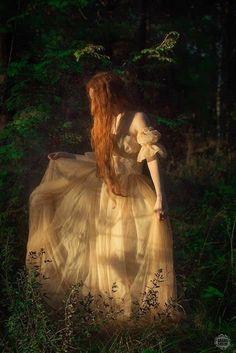 Fairytale Dress, Fairytale Fashion, Princess Aesthetic, Fantasy Photography, Faeries, Aesthetic Pictures, Fairy Tales, Ideias Fashion, Creations