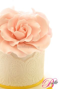 beautiful rose and lace cake