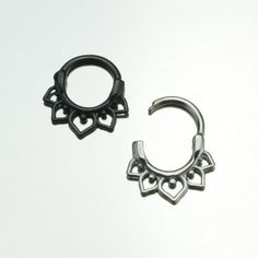 Curved Post septum clicker wtih loops-silver or black NC-007