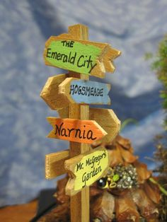 Signpost for Fairy Gardens. $12.00, via Etsy. This is brilliant! I would love a big version for the back yard. - DIY Fairy Gardens