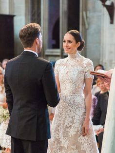 Louise Roe's Impossibly Chic Windsor Wedding at Dorney Court | Junebug Weddings