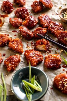 Oven Fried Korean Popcorn Chicken - Food and drink - Chicken Recipes Asian Recipes, Healthy Recipes, Lunch Recipes, Easy Korean Recipes, Asian Dinner Recipes, Japanese Recipes, Thai Recipes, Yummy Recipes, Healthy Food