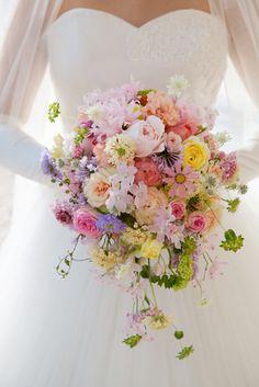 Beautiful Bouquet Of Flowers, Beautiful Flower Arrangements, Wedding Flower Arrangements, Floral Arrangements, Spring Wedding Flowers, Flower Bouquet Wedding, Bride Bouquets, Floral Bouquets, Tall Wedding Centerpieces