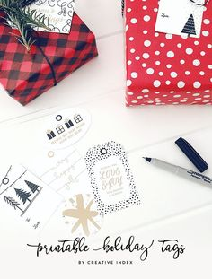 Hello there! I know things have been pretty quiet around here... I'm happy to be back, sharing this years set of FREE printable gift tags!...