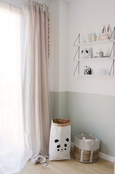 Simple bedroom curtain ideas gallery for small and large windows. Suite for master bedroom, kid bedroom, teen boy or girl bedroom, etc. Baby Bedroom, Girls Bedroom, Bedroom Decor, Pretty Bedroom, Bedroom Styles, Cool Rooms, Room Paint, Girl Room, Interior Design Living Room