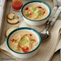 If you love Buffalo Chicken Wings youll love this soup! Buffalo Chicken Wing Soup from Gooseberry Patch Recipes. Crock Pot Soup, Slow Cooker Soup, Crock Pot Cooking, Slow Cooker Recipes, Crockpot Recipes, Chili Recipes, Soup Recipes, Great Recipes, Favorite Recipes