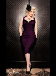 I'm a sucker for pin-up style dresses. Mostly because I have the hourglass figure of a pin-up girl and this stuff would actually fit me. The Masuimi Dress in Deep Plum from Pinup Couture Rockabilly Style, Rockabilly Fashion, Retro Fashion, Vintage Fashion, Rockabilly Girls, Gothic Fashion, Girl Fashion, Look Retro, Look Vintage