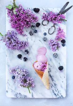 ... blackberry ice cream ...