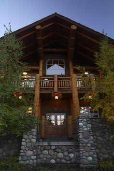 Wapiti Longhouse at  Bufffalo Mountain Lodge, Banff, AB