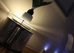 Stolik i lampka w jednym