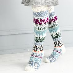 Merja Ojanperän We love winter -kirjoneulesukat | Meillä kotona Knitting Wool, Fair Isle Knitting, Knitting Socks, Men In Heels, I Love Winter, Stocking Tights, Wool Socks, Leg Warmers, Mittens