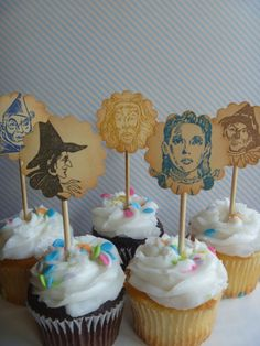 Wizard of Oz cupcake toppers set of 15 by SongbirdGreetings