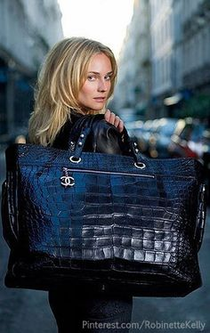 Black street style. On trend affordable fashion jewellery on-line now. SHOP | www.loulouandpercy.com