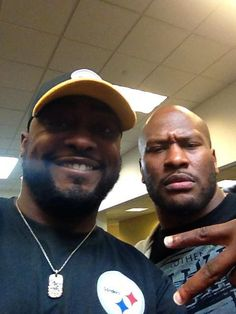 Mike Tomlin just welcomed James Harrison back with a 'Friday' themed selfie Steelers Pics, Steelers Gear, Here We Go Steelers, Pittsburgh Steelers Football, Pittsburgh Sports, Best Football Team, Football Fans, Football Players, Steelers Stuff